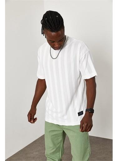 XHAN Çizgi Detaylı İnce Örme T-Shirt 1YXE1-45087-01 Beyaz